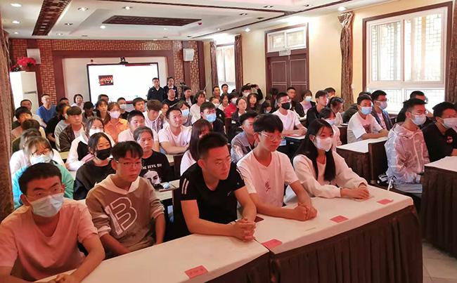 心系家乡学子,爱心企业家周占琪先生捐款资助96名大学生-渭河源官方网站